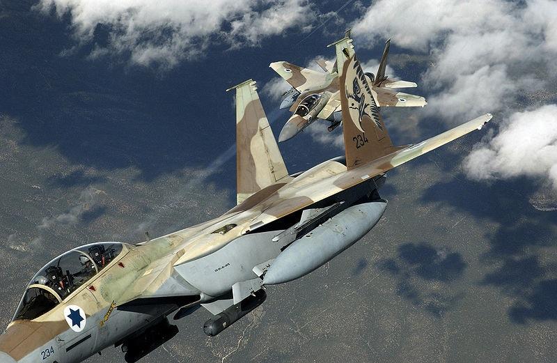 Risultati immagini per attacco aereo israeliano in Siria immagini