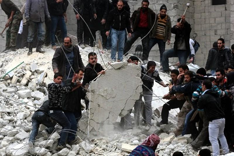 Siria il bagno di sangue entra nel quinto anno per la pace - Bagno di sangue ...