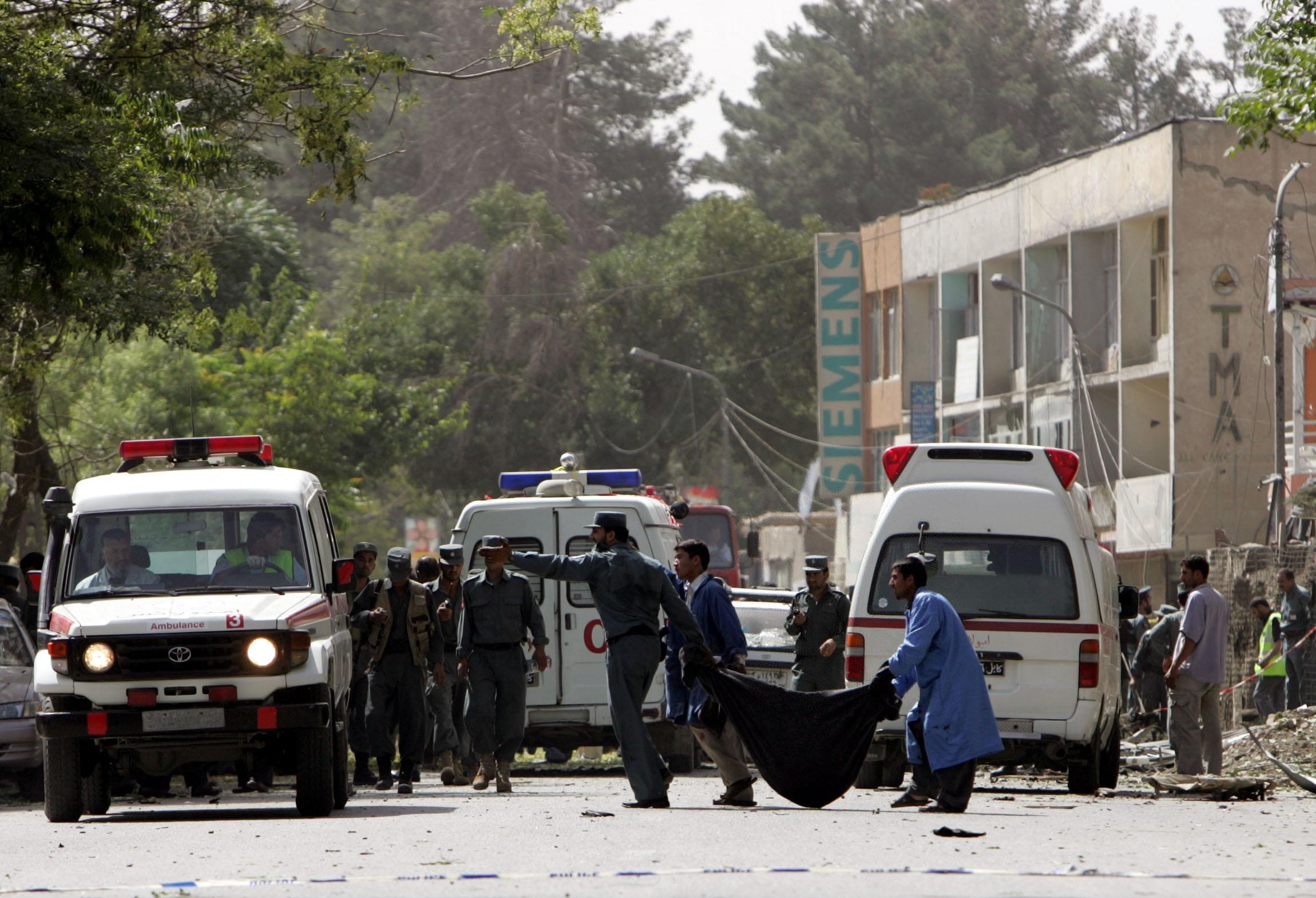 Afghanistan_polizia_ambulanza_Xin