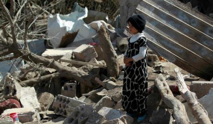 0005157F-un-bombardamento-in-yemen