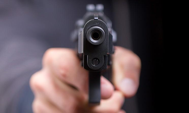 1483948808-pistola-puntata