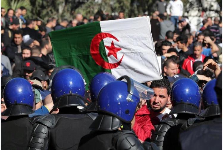 algeria-proteste-ansa.jpg_997313609