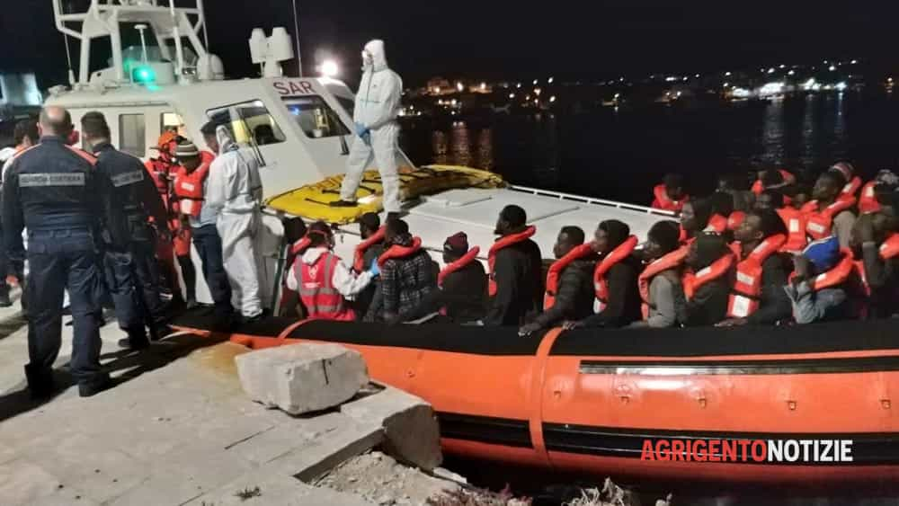 sea watch sbarco02-2