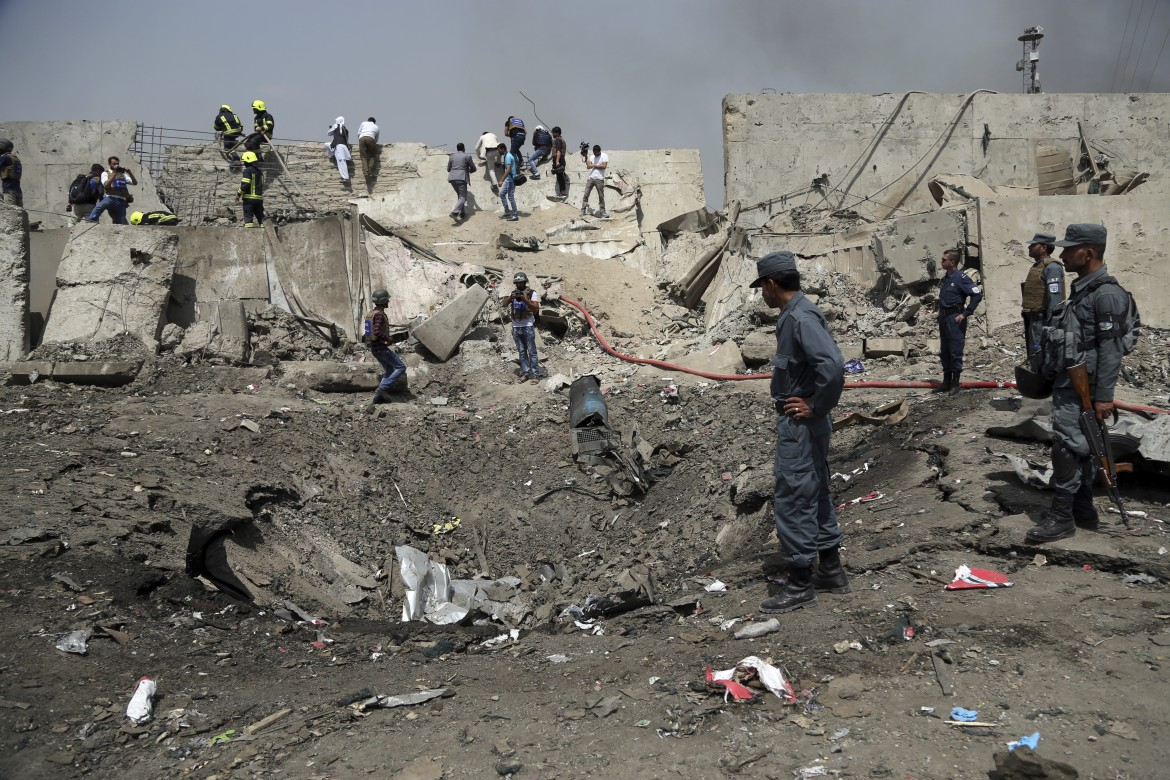 ap-mondays-suicide-bomb-attack-in-kabul-ap-3