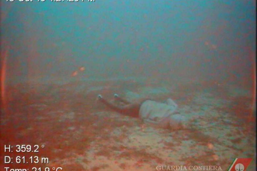 corpi_Lampedusa_3-851x567