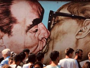 muro_bacio