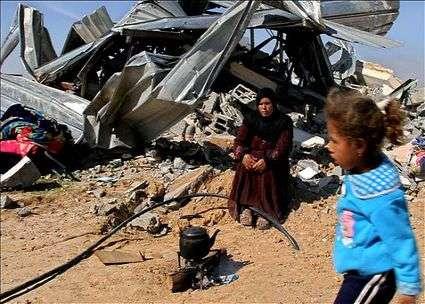 Nord del Negev: Israele rade al suolo un intero villaggio di beduini palestinesi