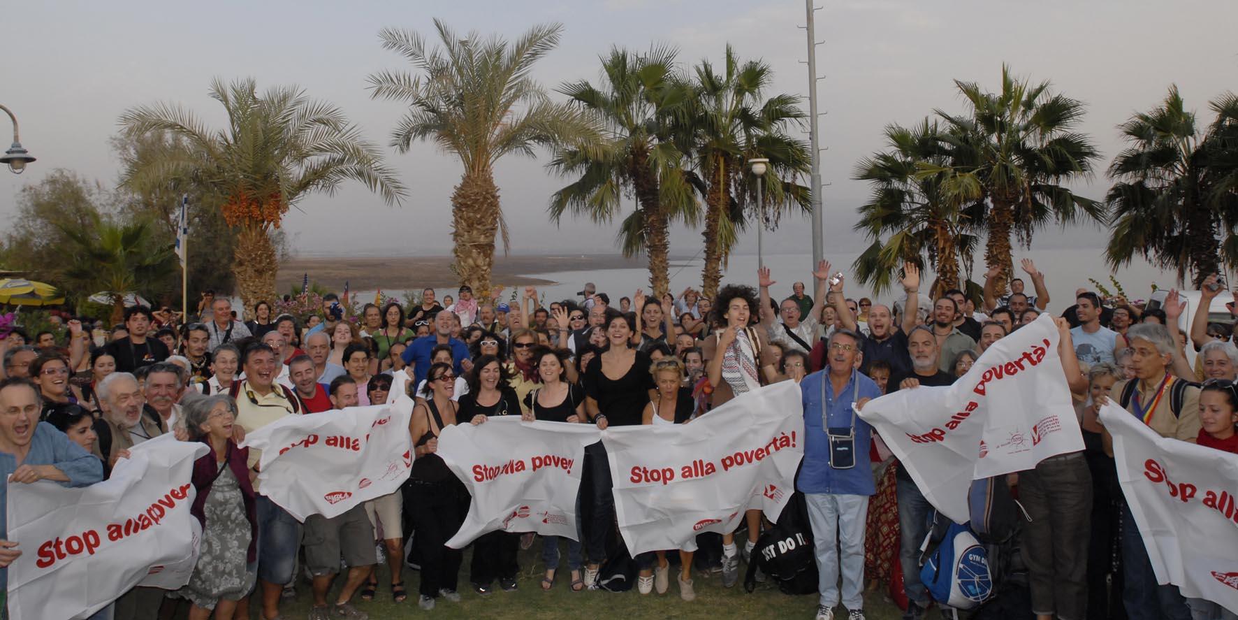 Stand Up 2009: oltre 820 mila italiani chiedono al governo di rispettare le promesse contro povertà e cambiamenti climatici...