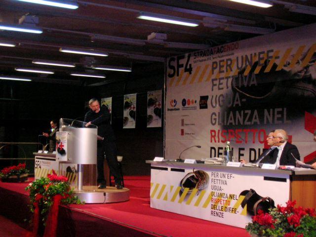 Luigi Ciotti: è la strada che ci insegna la strada