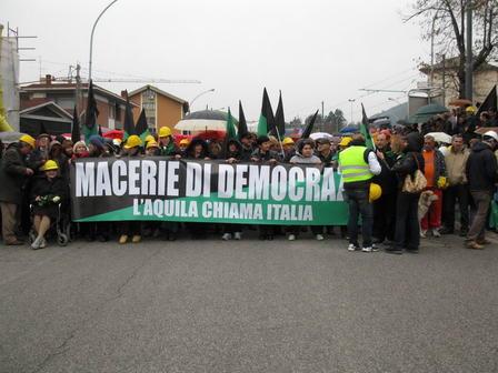 L'Aquila chiama l'Italia e l'Italia risponde