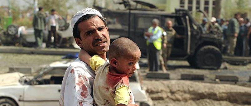 Autobus salta su una mina: 25 morti. Strage di civili in Afghanistan