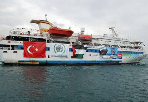 """Freedom Flotilla 2: """"fermi in porto, restiamo umani"""""""