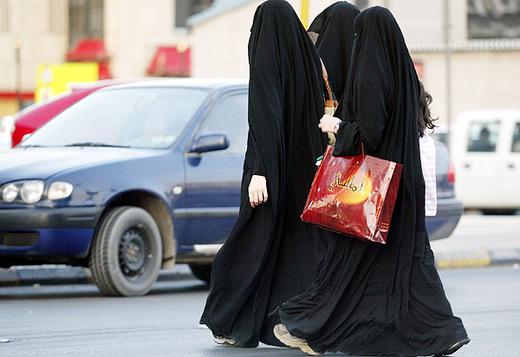 Le donne saudite guidano la protesta