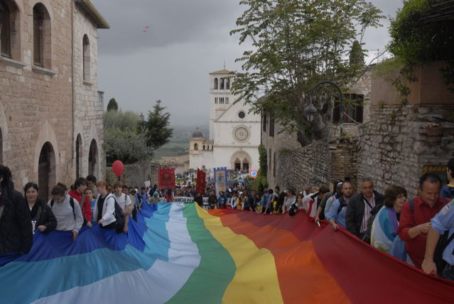 Costruisci un comitato Perugia-Assisi nella tua città