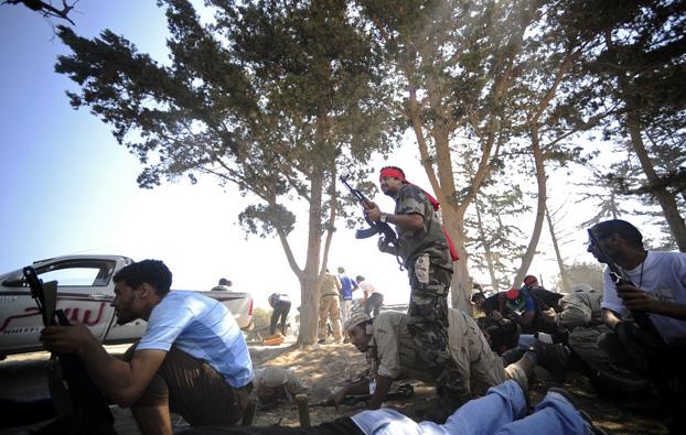 Tripoli, i ribelli nella Piazza Verde