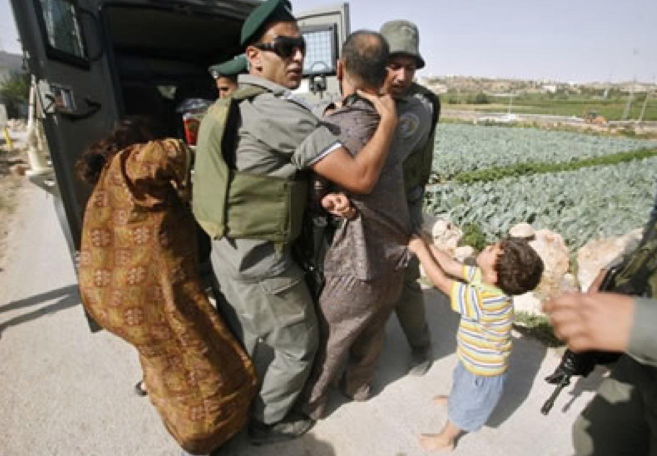 M.O.: Il coraggio di un bambino per proteggere il padre durante l'arresto