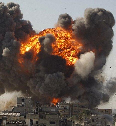 Gaza:12 morti e 25 feriti in raid aerei israeliani