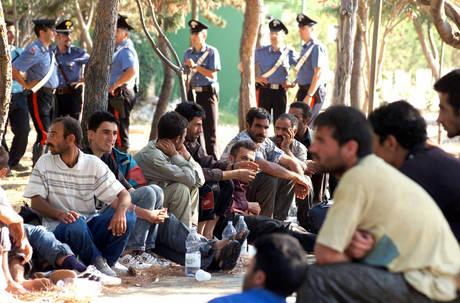 Sicilia, soccorsi 171 migranti. Profughi siriani arrivano in Calabria
