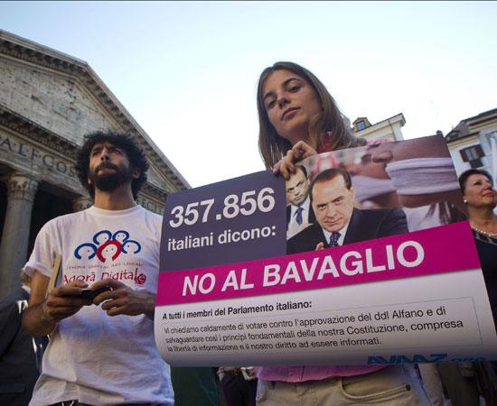 Intercettazioni: contro la legge bavaglio tutti al Pantheon il 12 ottobre