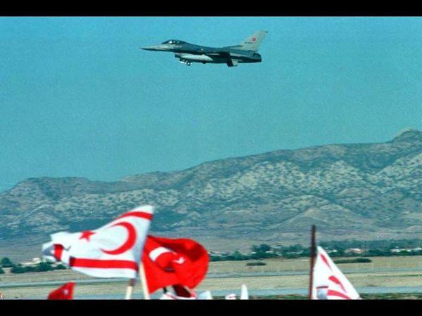 Siria abbatte caccia turco, tensione alta