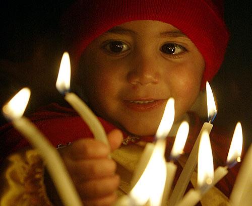 Perché non adotti una bambina palestinese?