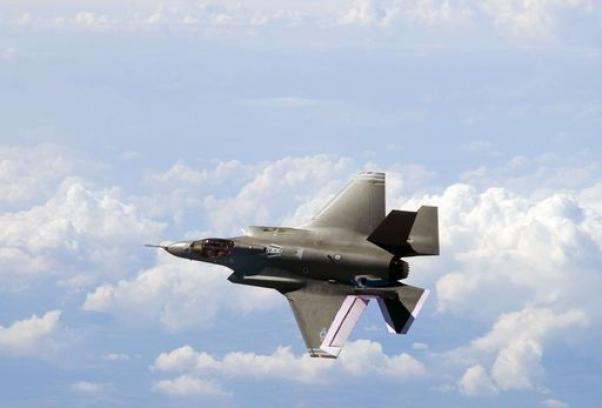 F-35: Di Paola tenta il colpo di mano