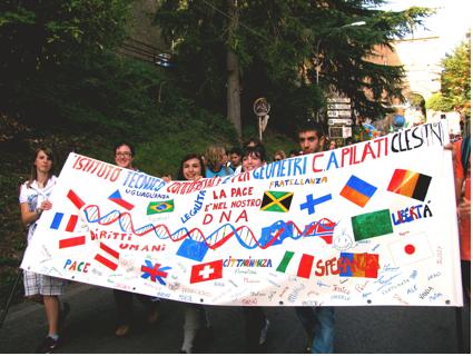 """Noi abbiamo un sogno: """"un mondo senza guerra"""""""