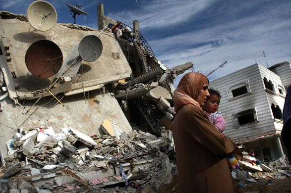 Striscia di Gaza, 3 palestinesi uccisi in una serie di raid israeliani. 10 i feriti