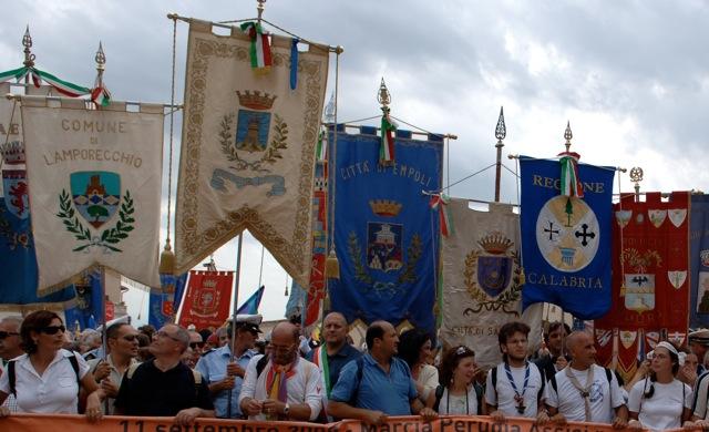 I Gonfaloni alla Marcia Perugia-Assisi. Informazioni utili