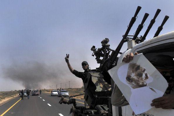Libia: ancora intensi scontri a Sirte. Russia critica bombardamenti Nato