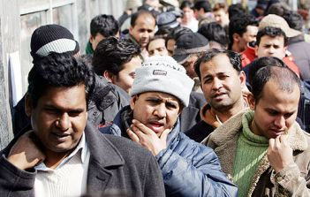 Immigrati: Acli, punire gli irregolari significa punire le famiglie italiane