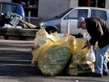 Istat: il 4,6% dei nuclei in condizioni di povertà assoluta