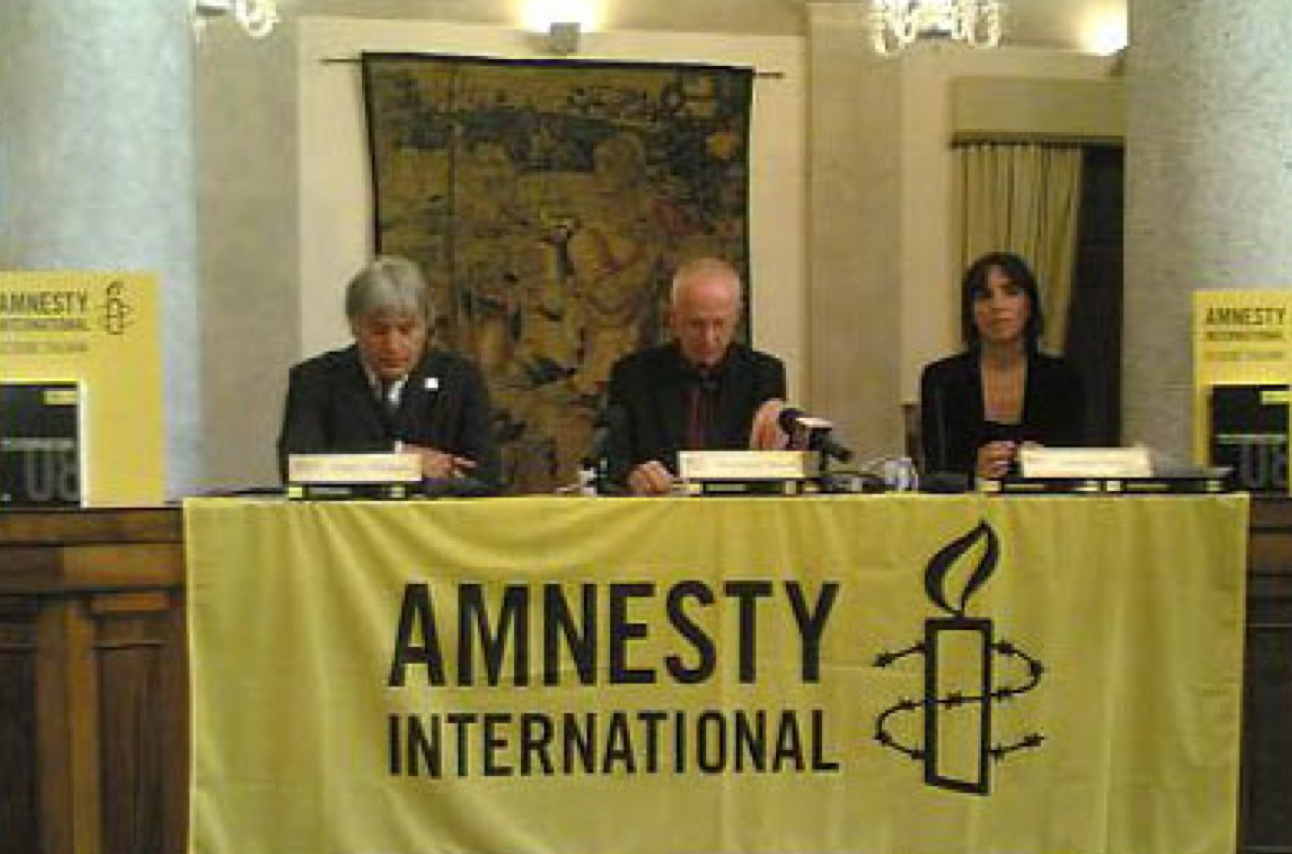 Amnesty: Italia xenofoba