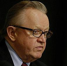 Nobel per la Pace al finlandese Ahtisari. Negoziò contro la guerra in tutto il mondo