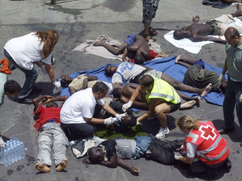 Lampedusa, barcone con 25 cadaveri a bordo