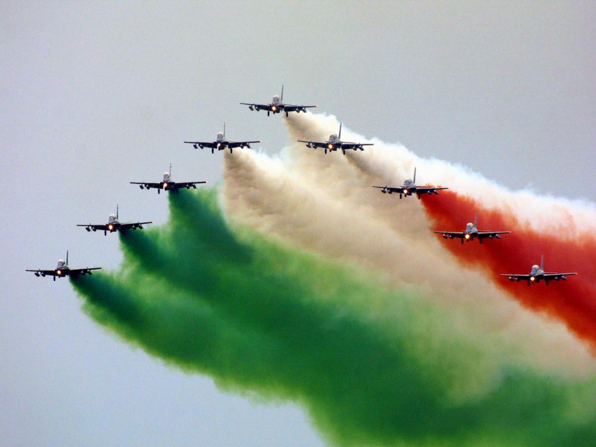 Parata Militare? No grazie!!! 2 giugno: Festa della Repubblica, non delle FFAA