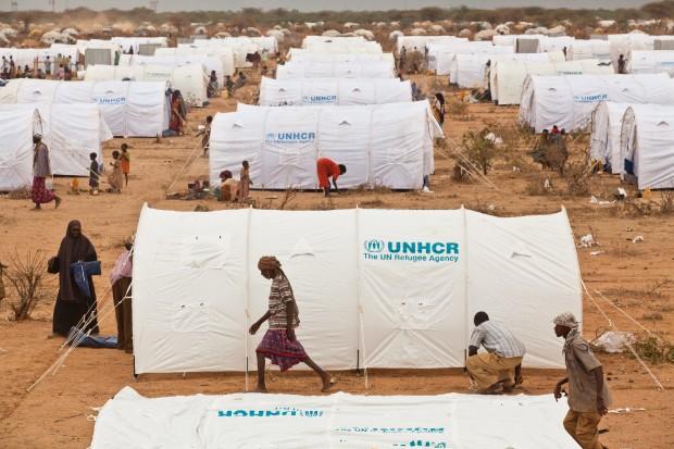 Nel 2011 cifra record di 180.000 persone costrette a fuggire dal proprio paese
