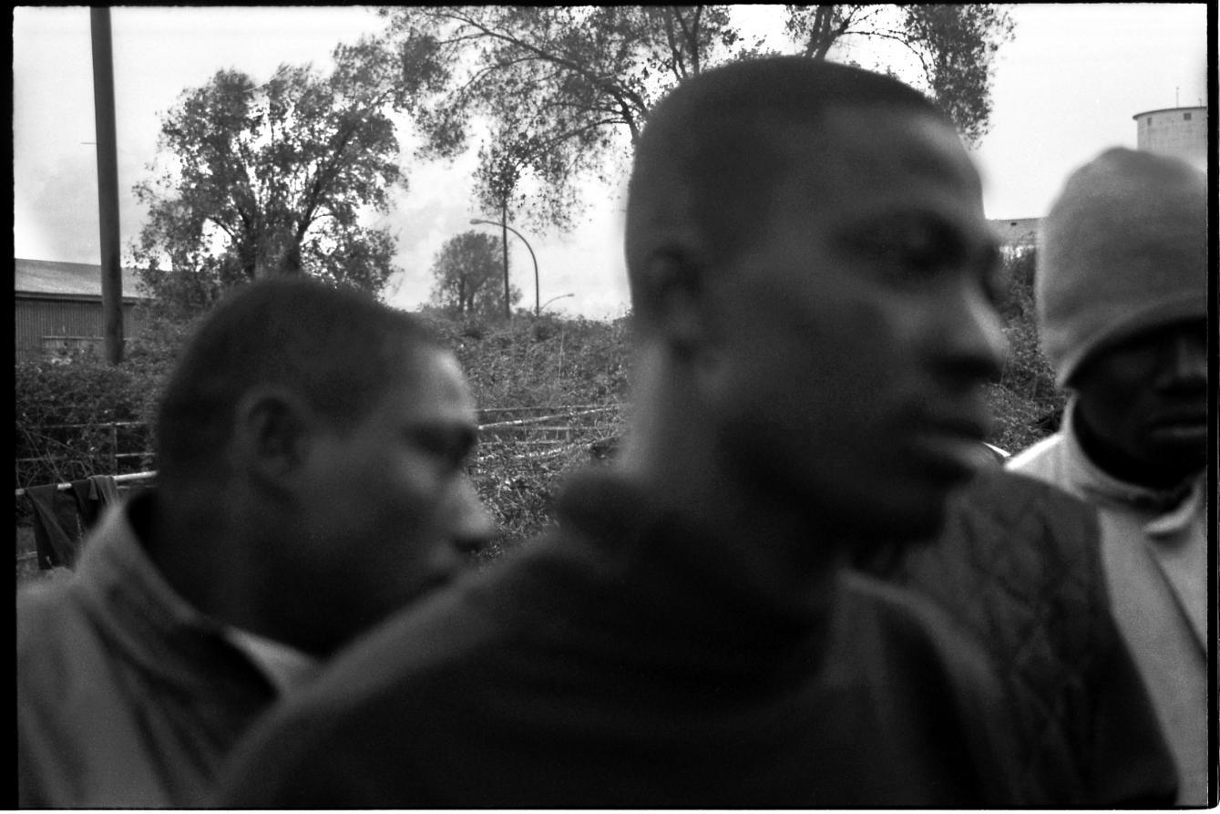 Lamezia Terme, bomba contro comunità per migranti