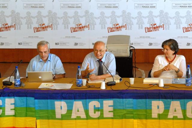 Scriviamo insieme l'agenda politica dei Diritti Umani.