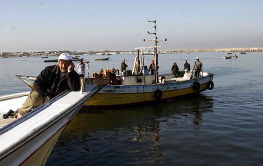 Gaza, blocco Israele: le reti vuote dei pescatori