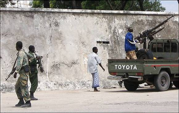 Somalia, nuovi scontri. In migliaia fuggono da Mogadiscio