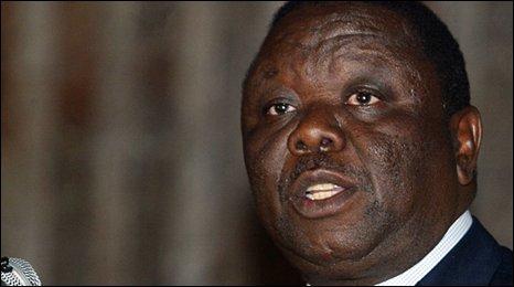 Zimbabwe: in arresto 10 deputati dell'opposizione